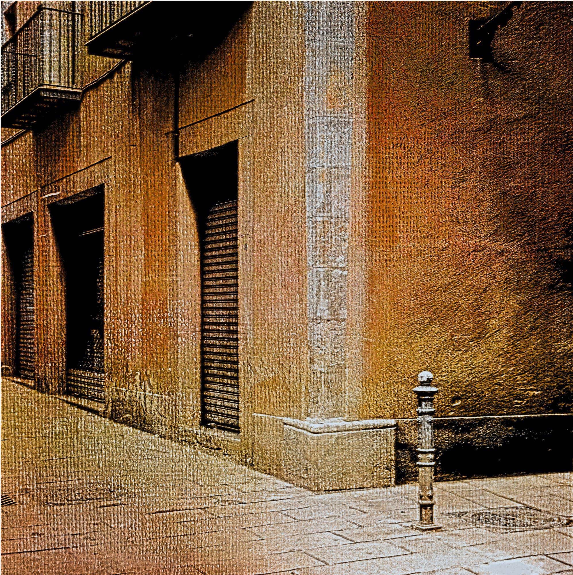 pcf0937sq-gothic-quarter-barcelona-reduced-art-pharmacy