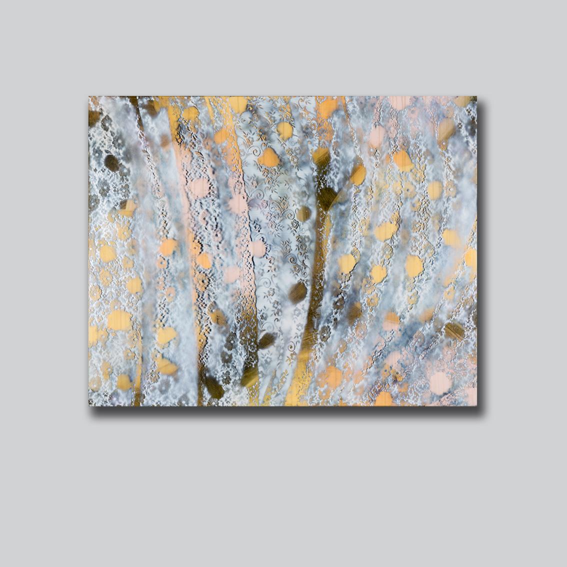 Aqueous Bloom IX grey wall