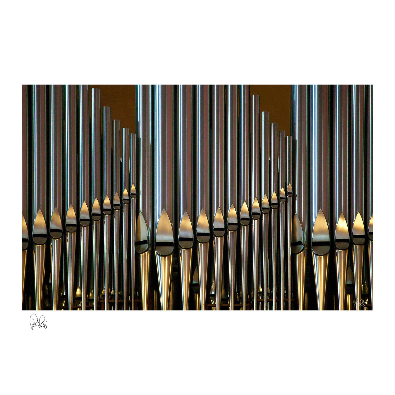 Pj 014.s Organ Pipes.75x75cm