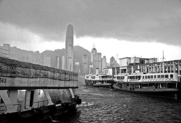 Pcb1058ob Storm Over Hong Kong (s) Reduced