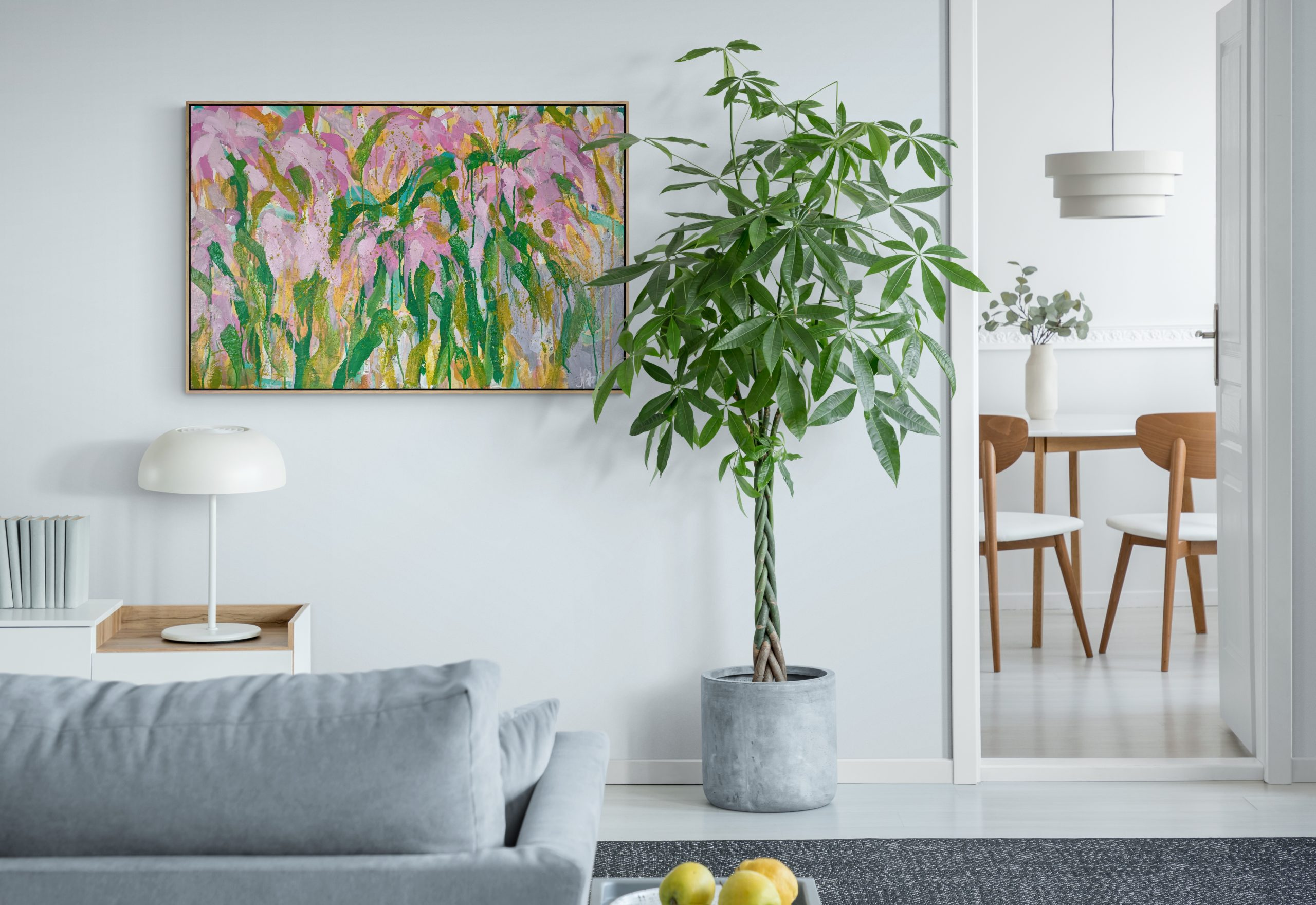 Bright Living Room With Large Plant (2)